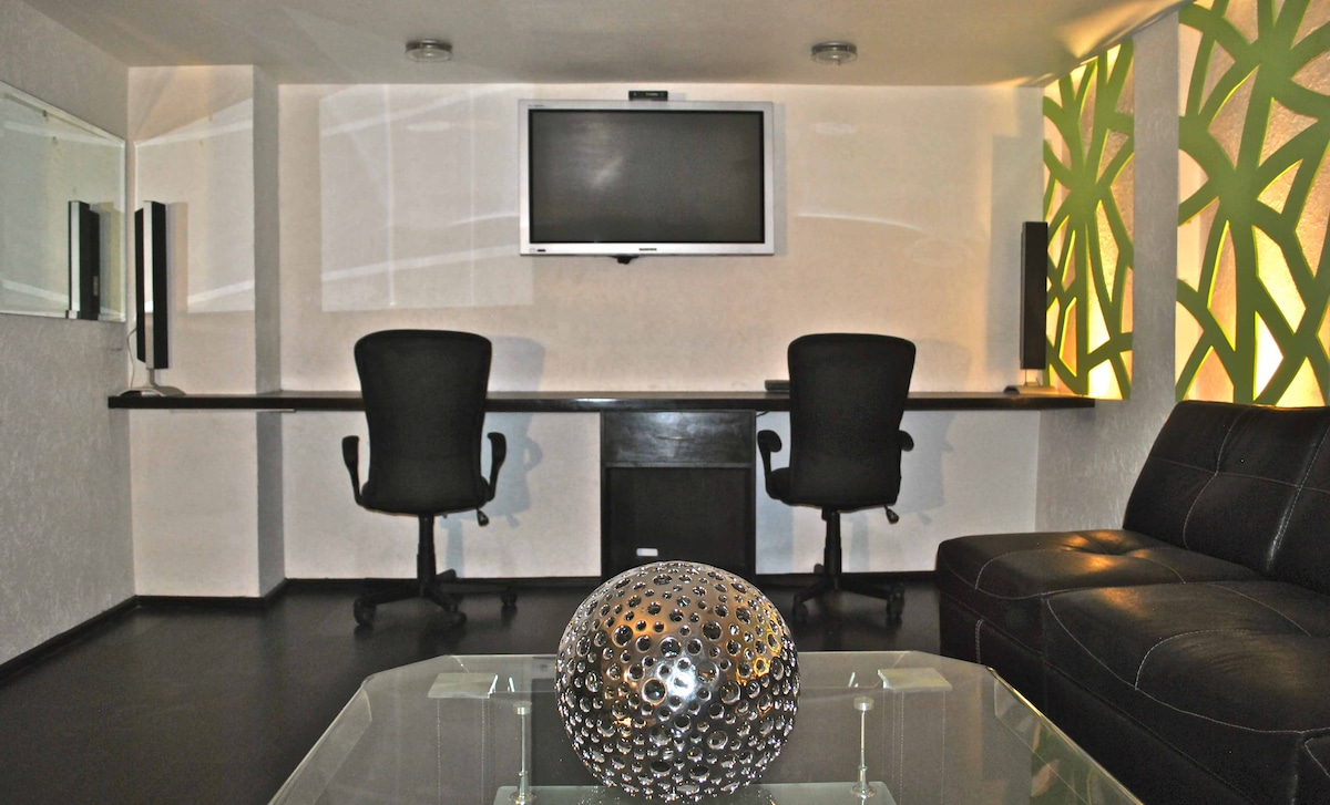 Common area equipped with cable tv, printing and scanning option for documents