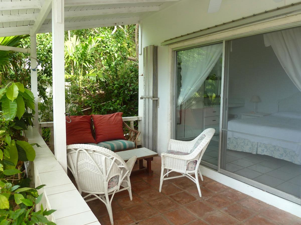 Lower Villa - Outdoor Seating / Bedroom