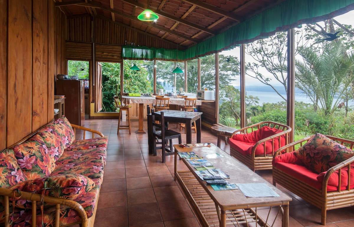 Equipped Bungalow, Volcano View