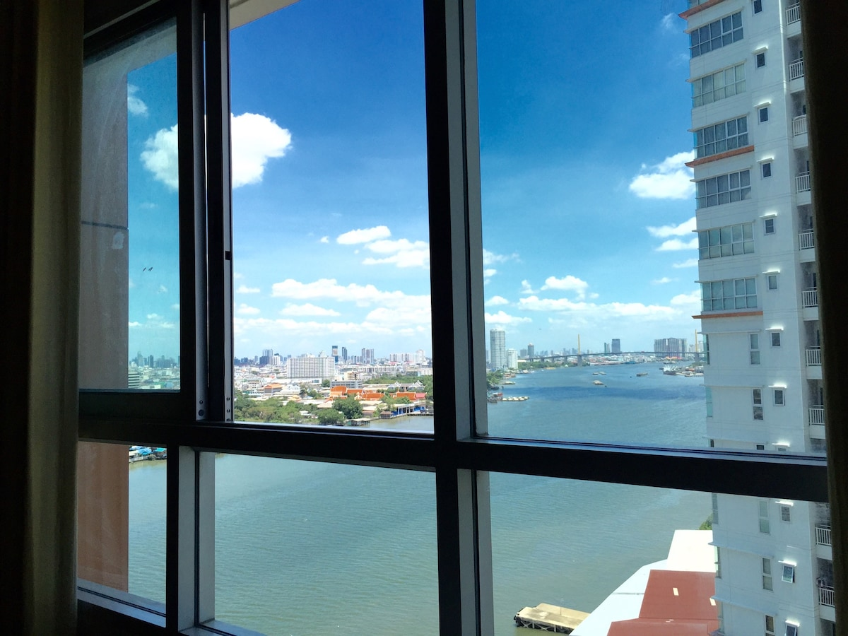 River view from bed Picture Updated 9/2015