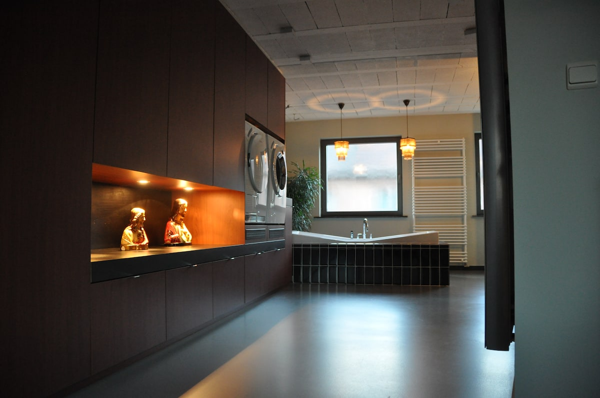 First floor / bathroom view