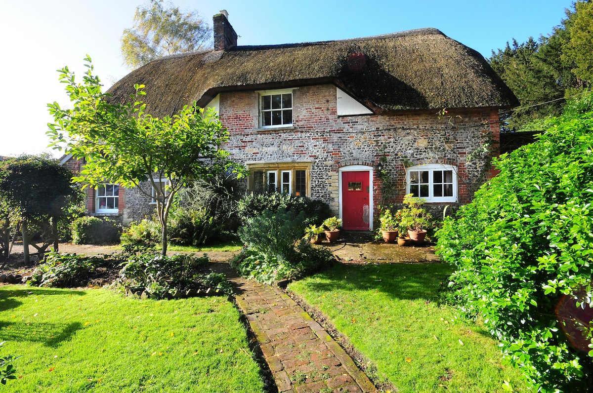 Lovely self-contained Cottage Annex