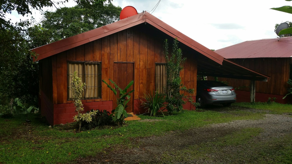 Furnished 2 bedrooms cabins minutes to Fortuna
