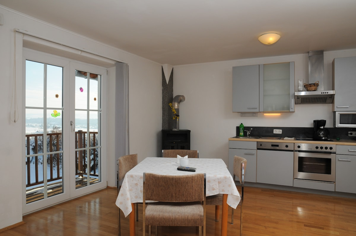 living2  Geinberg Suites