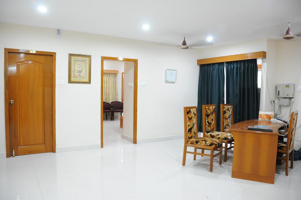 Lloyds Guest House, North Boag Road, T. Nagar - Reception