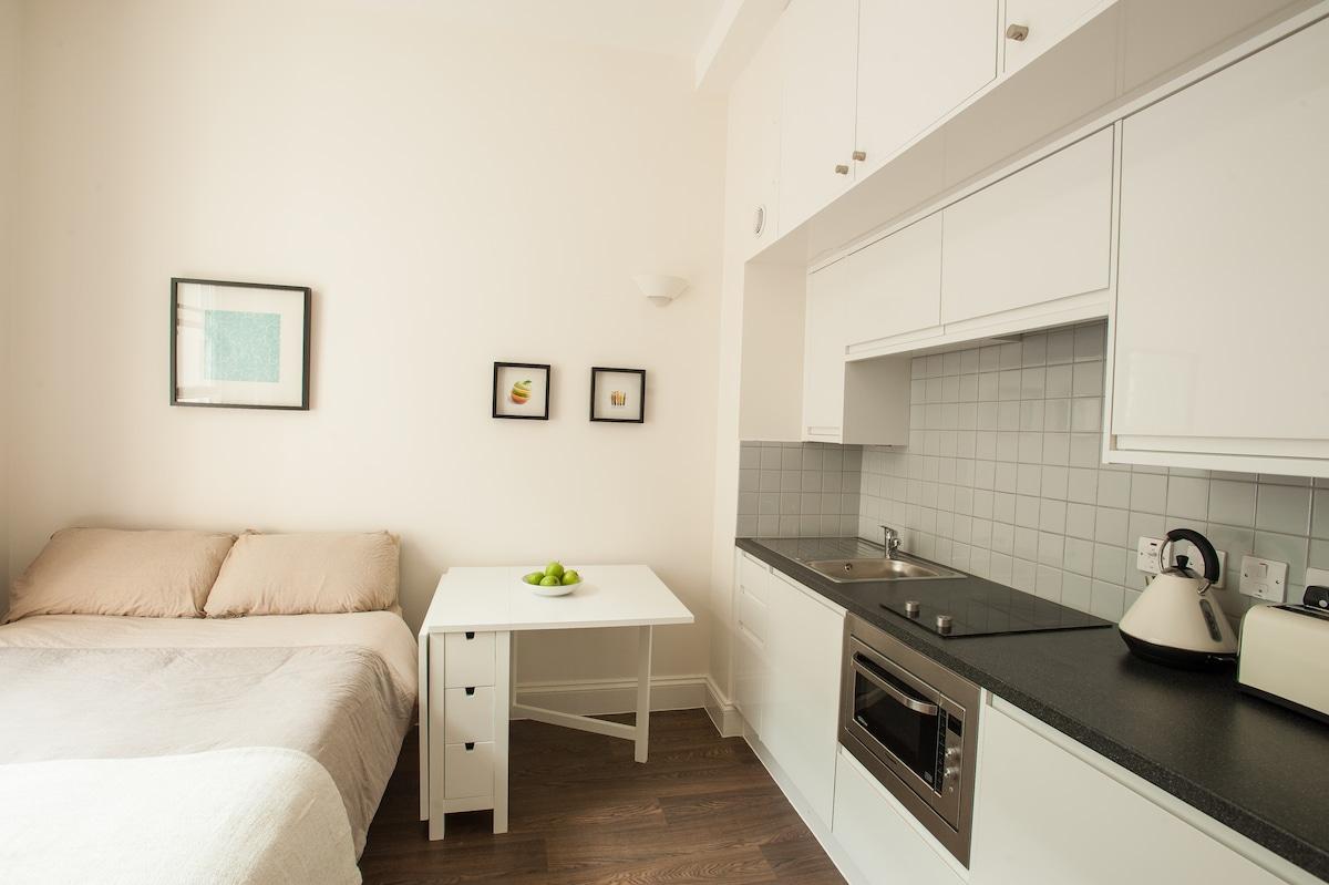 Brand new double room, Victoria (4)