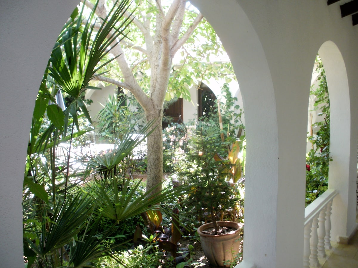 The green and leafy courtyard - nice and cool in the heat of the day