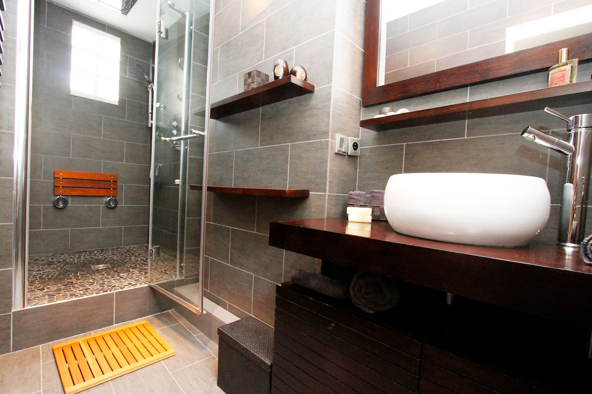 Bathroom | Spa | Revitalize