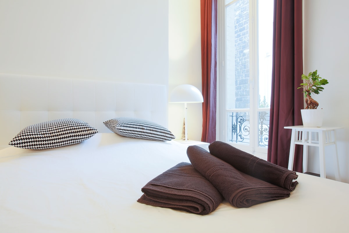 Luxury cosy flat on CHAMPS ELYSEES