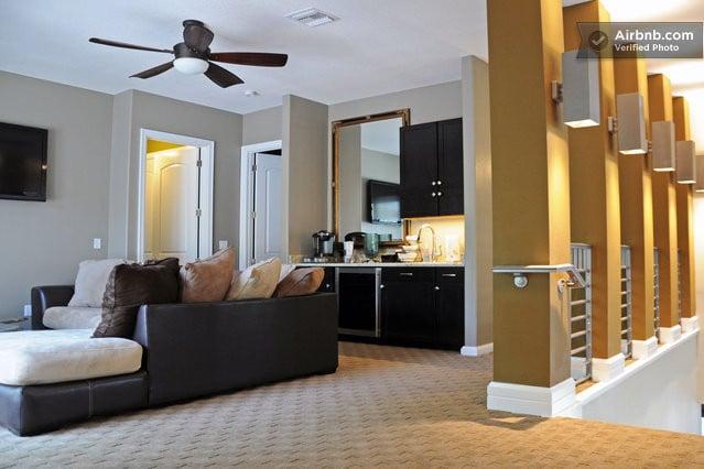 BEAUTIFUL CONTEMPORARY RESIDENCE W/ 6 EN-SUITE BEDROOMS