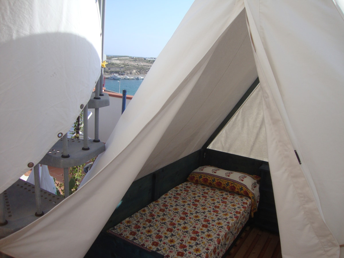 TENT ON THE BALCONY 360 °
