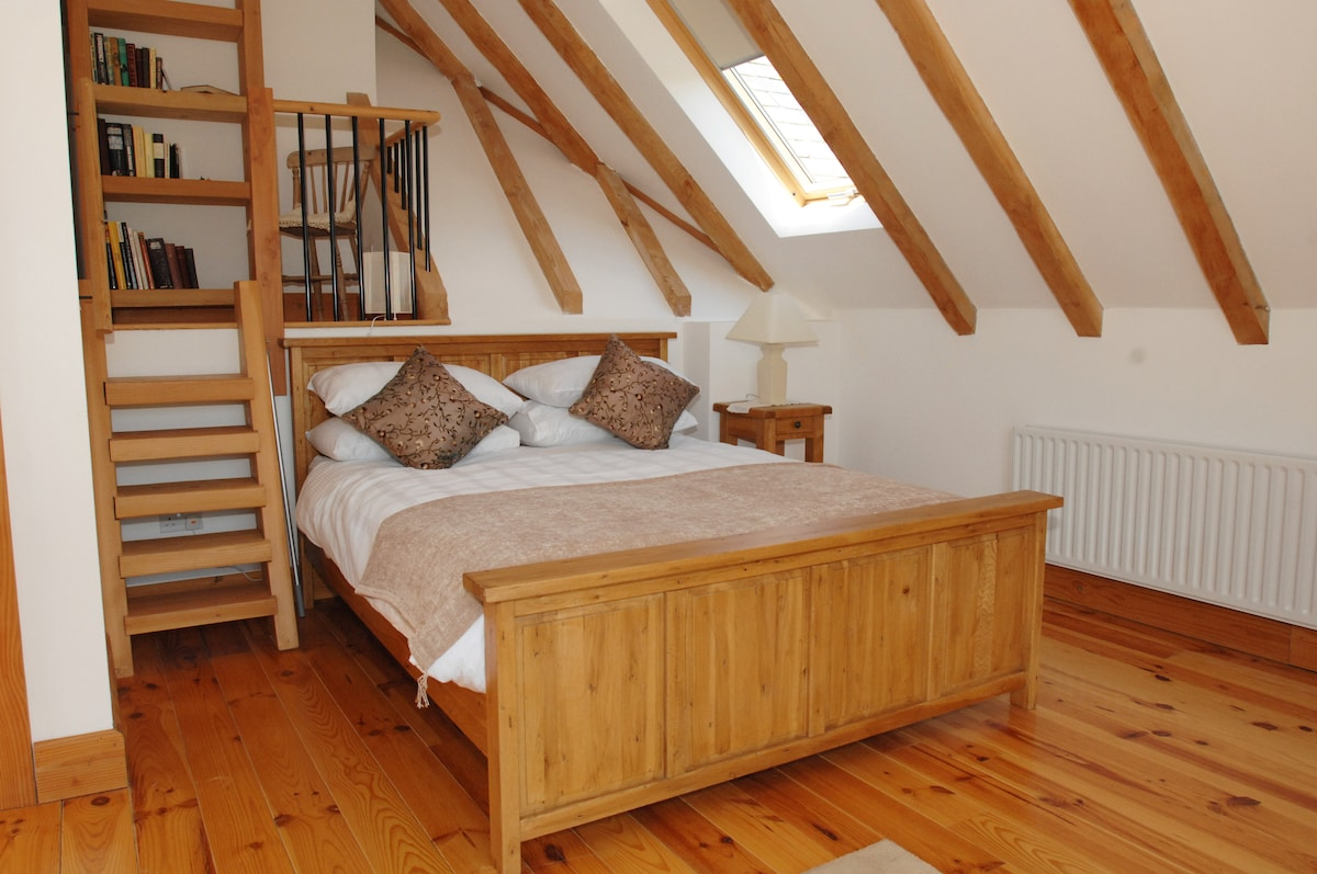 Wonderful Rooms in a Converted Barn
