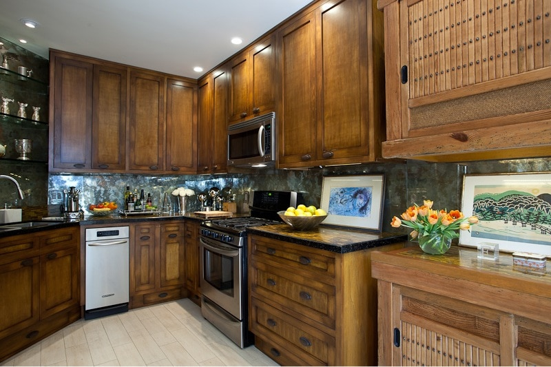 Exotic and contemporary Kitchen
