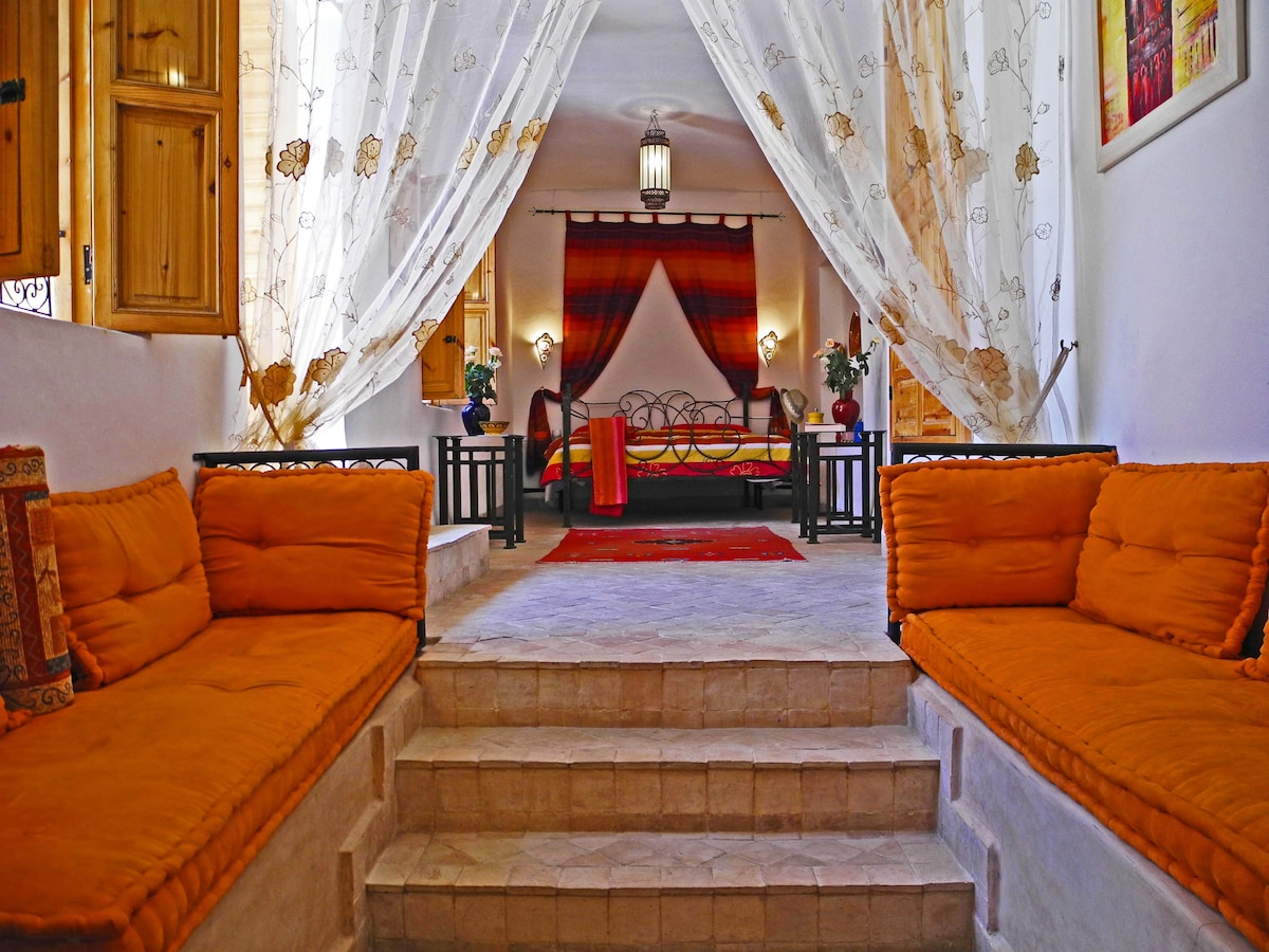 Our romantic Douria Suite