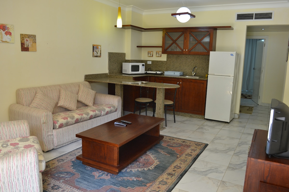 65 Square Meters Unit - Central Air Condition, Small Kitchen, Ground Floor