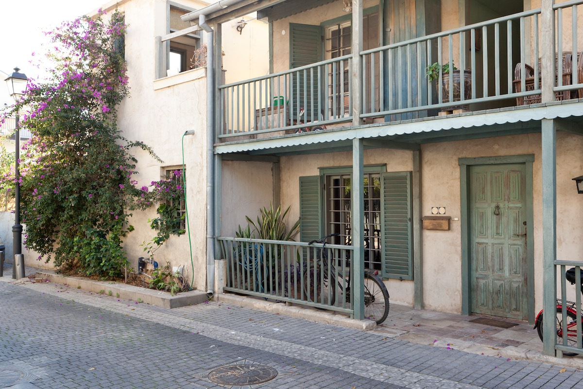 Step into another world within this secret gem of Tel Aviv-Yafo...