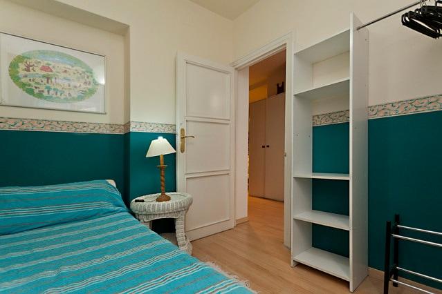 Blue central room Bilbao-Chamberi