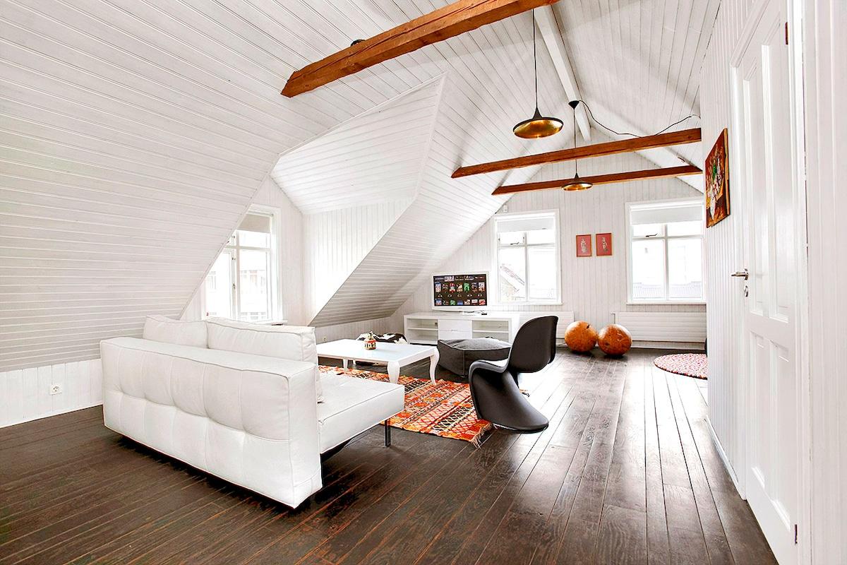 Downtown, Designer Attic Apartment
