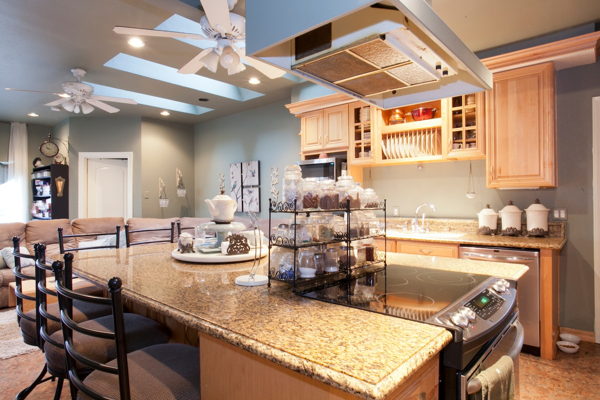 Our guests love to cook and eat in this fully equipped kitchen. We have plenty of island seating for everyone.