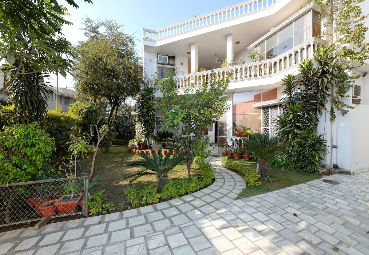 A Serene and Tranquil stay in Delhi