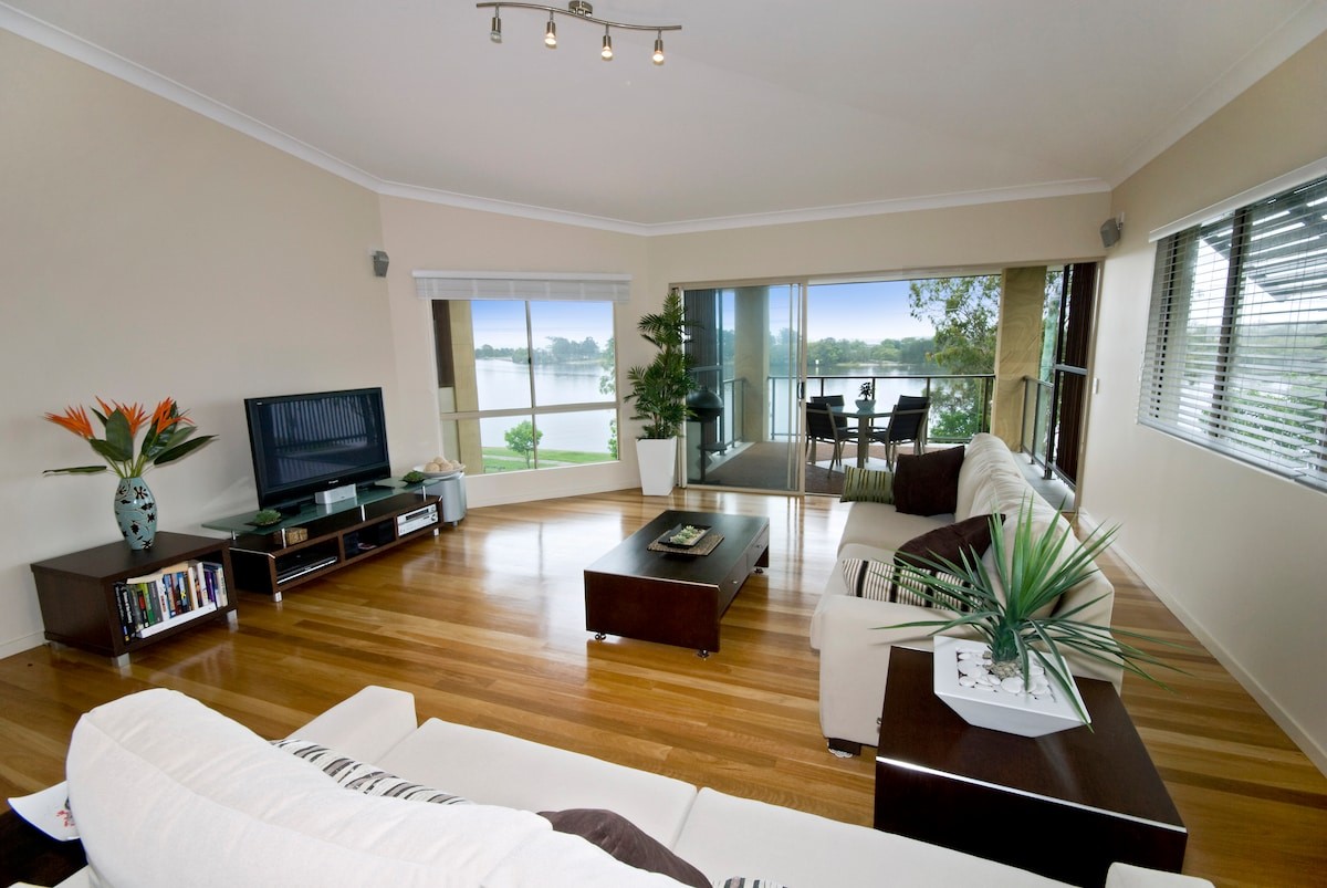 The Living room with the amazing river view