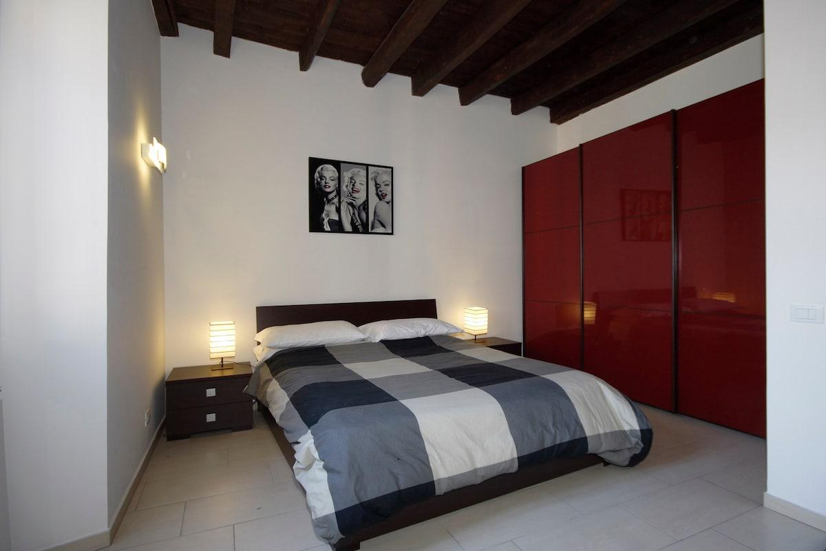 Elegant Apartment for 6 at Vatican