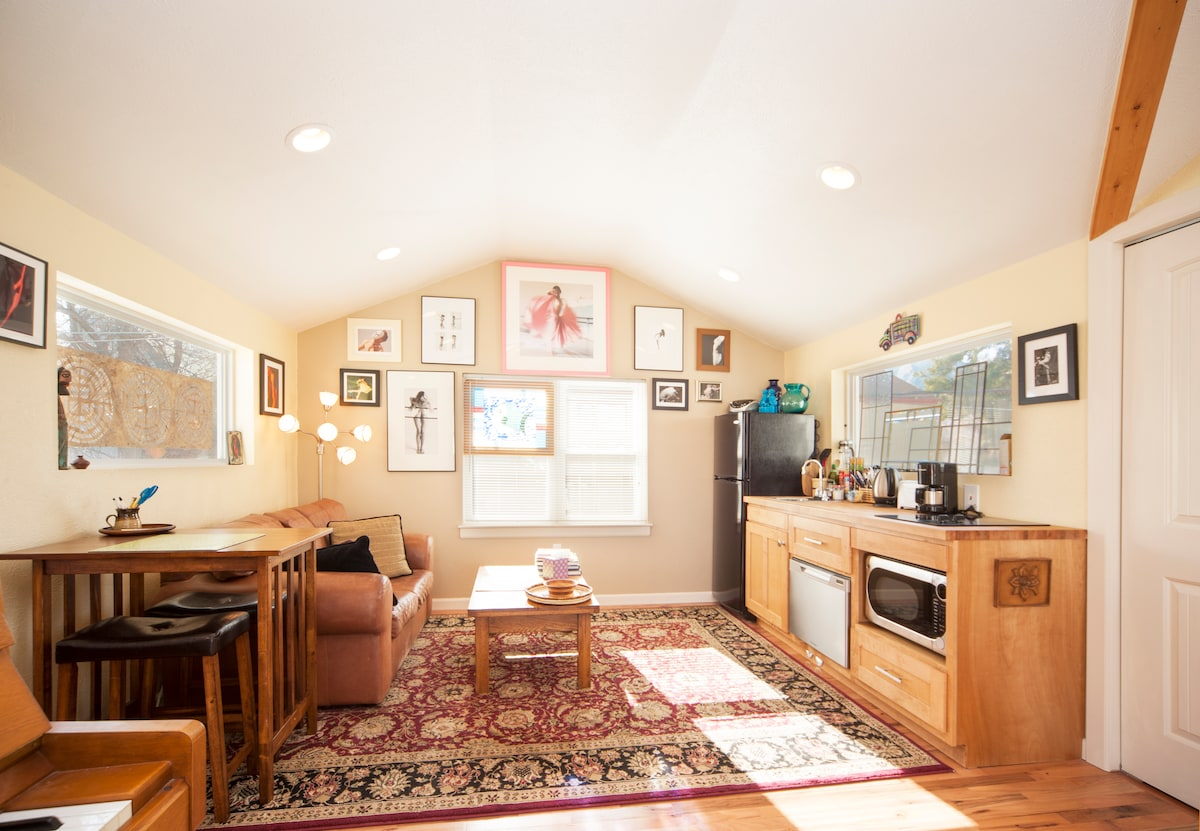 Loft Central Boulder with Piano