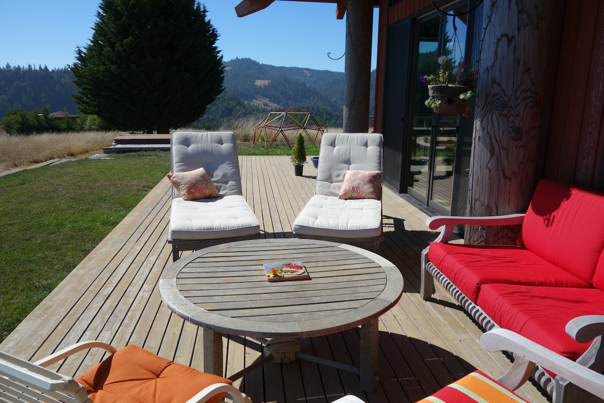 Lots of yummy outdoor furniture - including three different seating areas with tables & chairs.  All cushioned