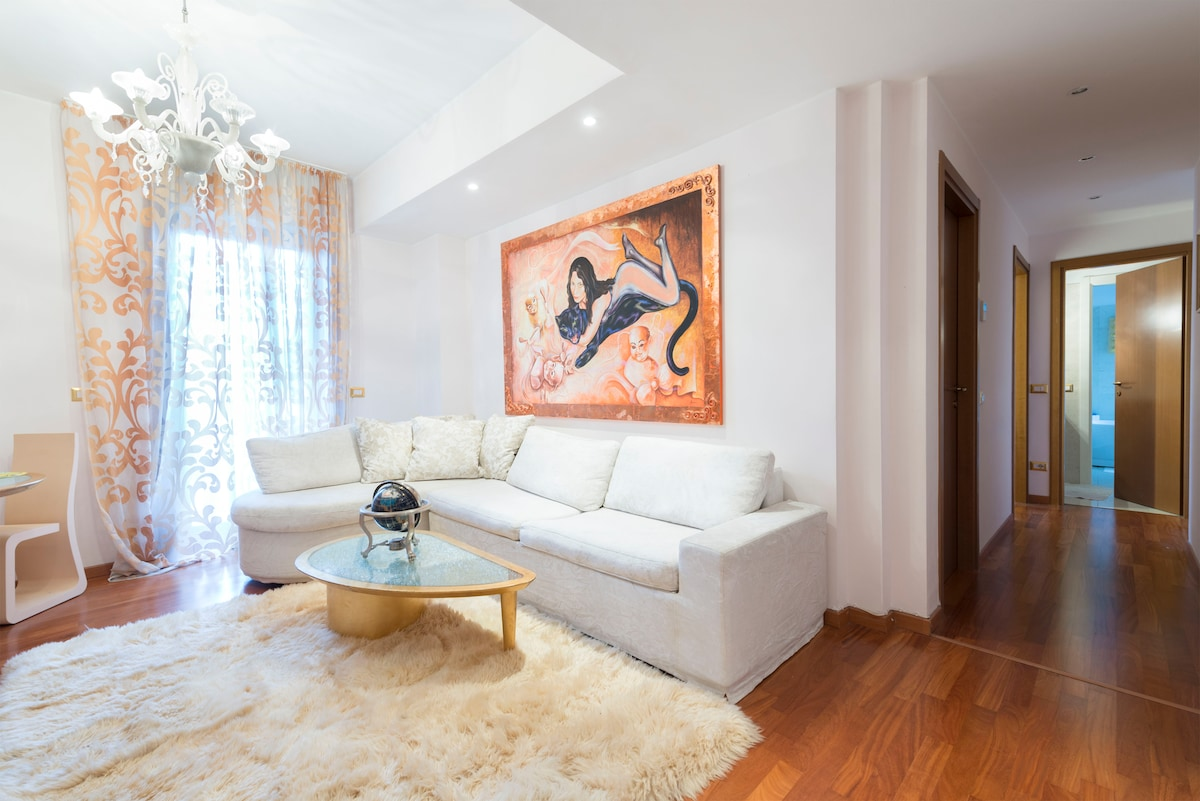 The apartment comes fully furnished. There are hardwood floors and air conditioner.