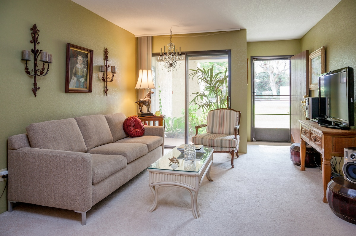 One bedroom condo w 6 ft. long couch, queen bed, fully equipped kitchen.