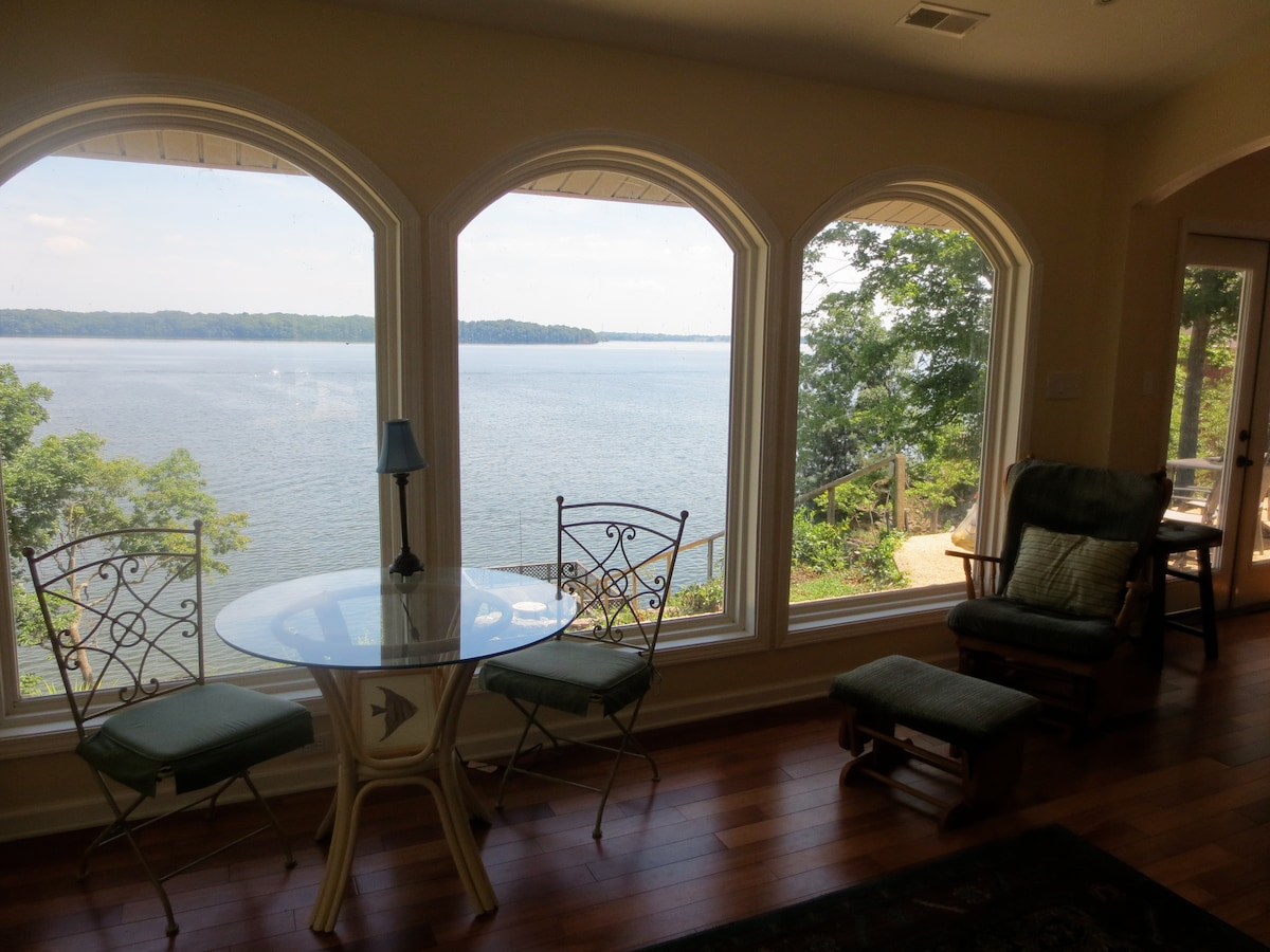 14 Skylights~Waterfront~Cliffhaven