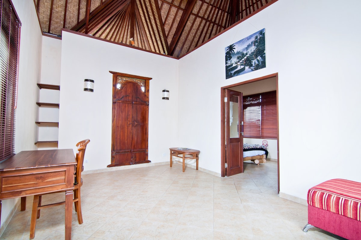 Dukuh Village Homestay 'SkyView'