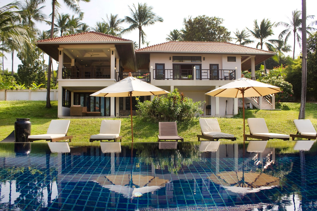 Luxuous Villa  sea view and pool