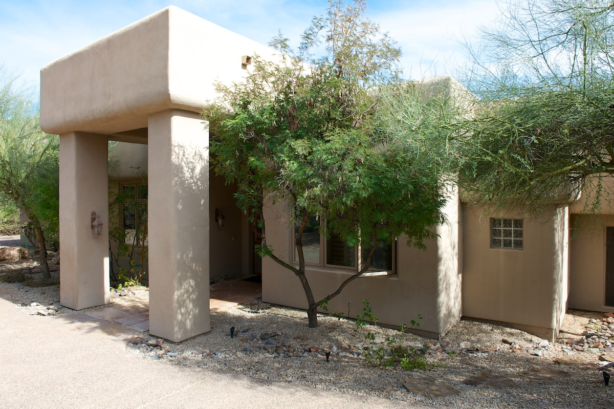 Contemporary , detached , private and secluded  home in paradise valley