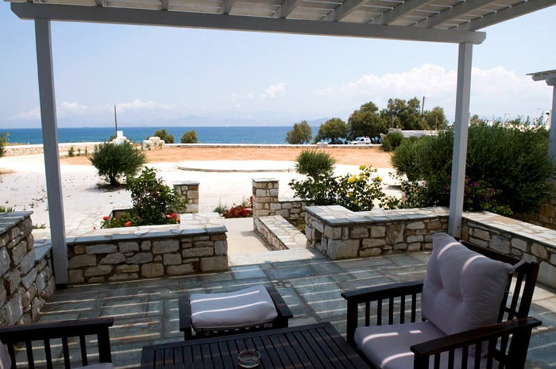 Enjoy relaxing holidays, under the wooden pergola viewing the blue of the sea and Naxos!