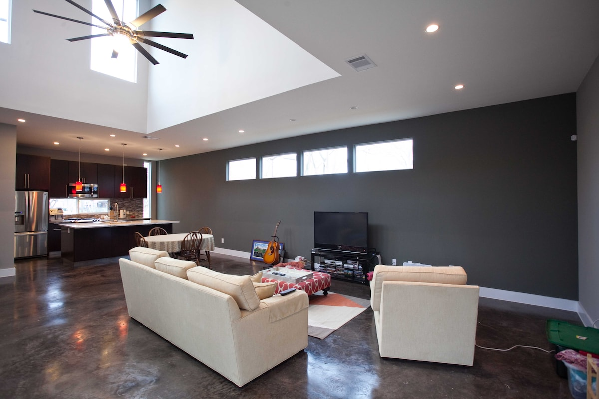 Spacious open concept kitchen/living/dining