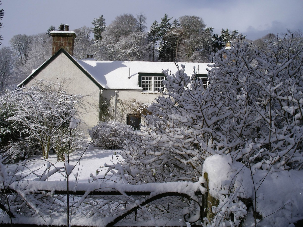 The Millhouse in the snow.