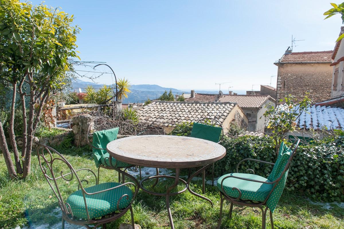 St Jeannet: Romantic Village House