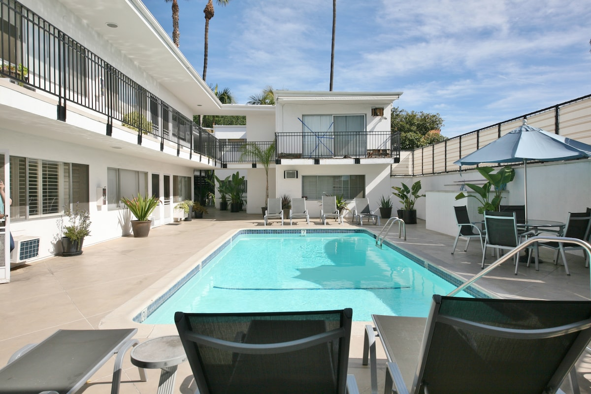 Jewel in the Heart of WeHo w/pool