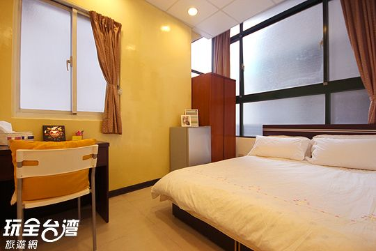 Cozy Stay near Shilin Night Market