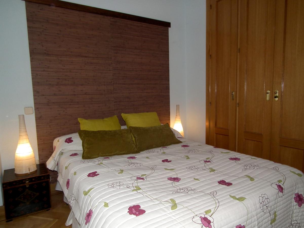 Habitacion cama doble / Double bed bedroom