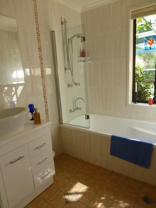 The luxurious bathroom.