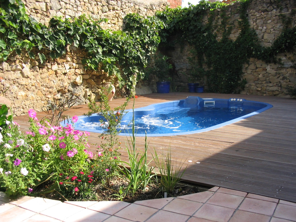 Cool water in a hot summer .... swim against the current or relax in the jacuzzi
