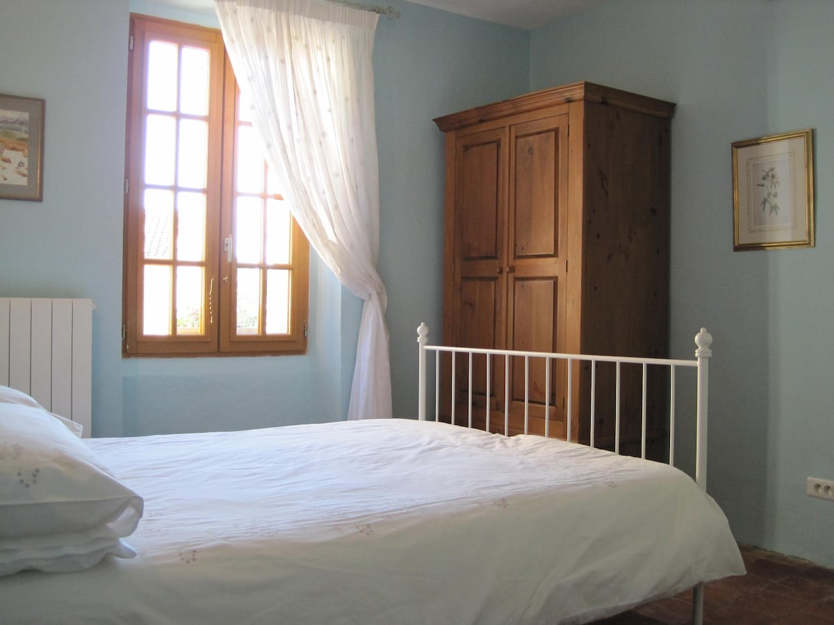 Bedroom 3 with double bed and private bathroom