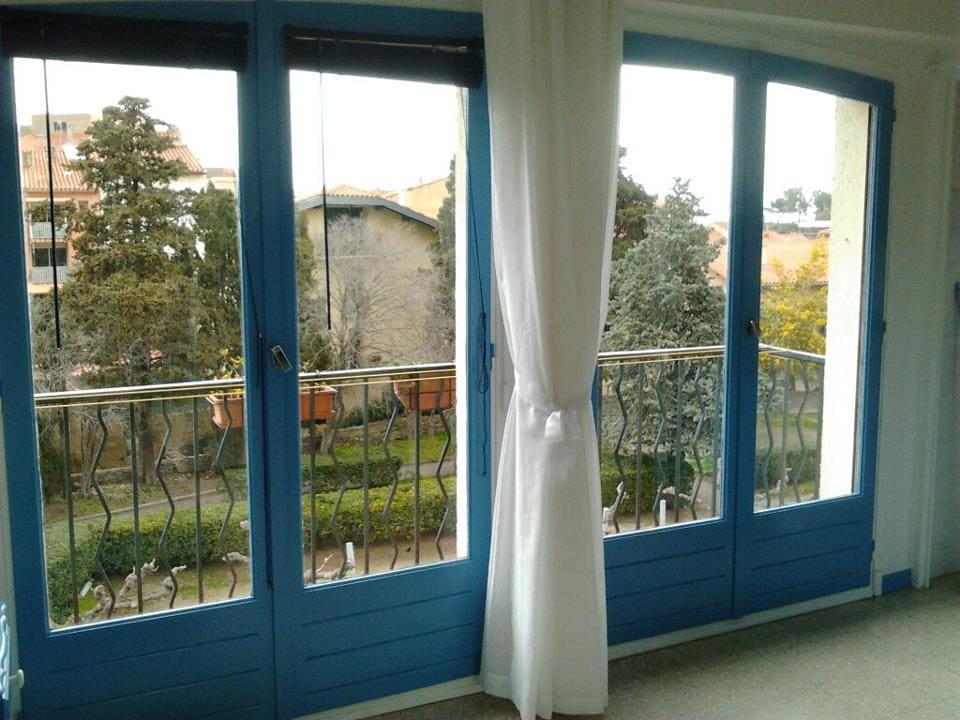 doors onto balcony (winter)
