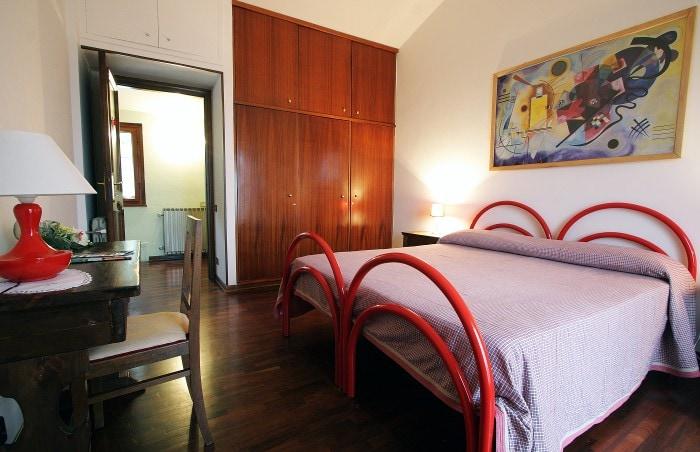 Rooms in Villa Terni / Umbria