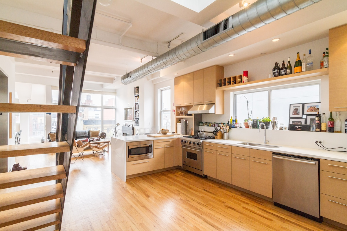 Bowery Penthouse, 2 BR + Roof!