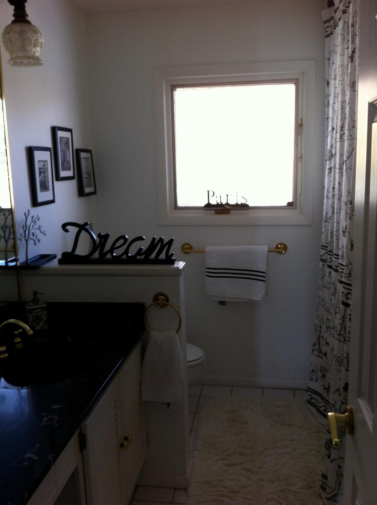 Charming Vintage Bathroom.  Private Full Bathroom - Adjacent to Twin Guest Bedroom