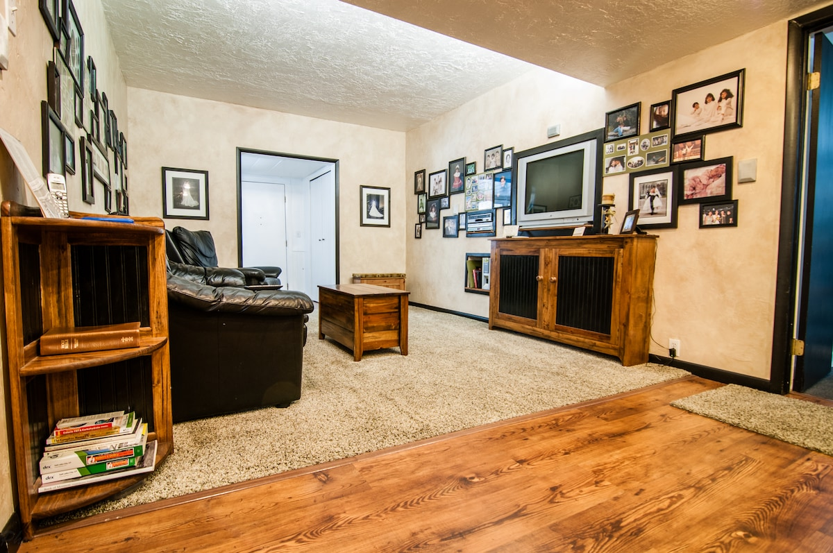 Twin Bed Room in Little Cottonwood