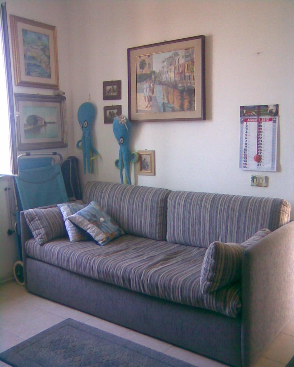 il divano letto nel salotto